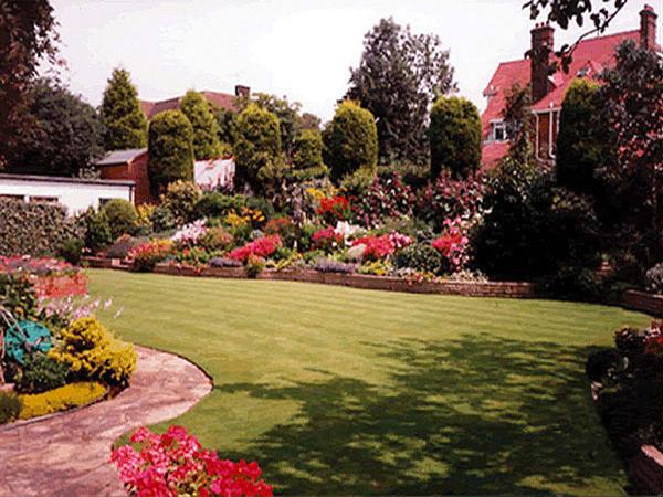 lawns1-600W